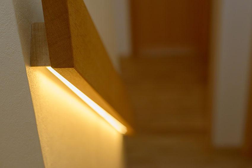 階段 間接照明